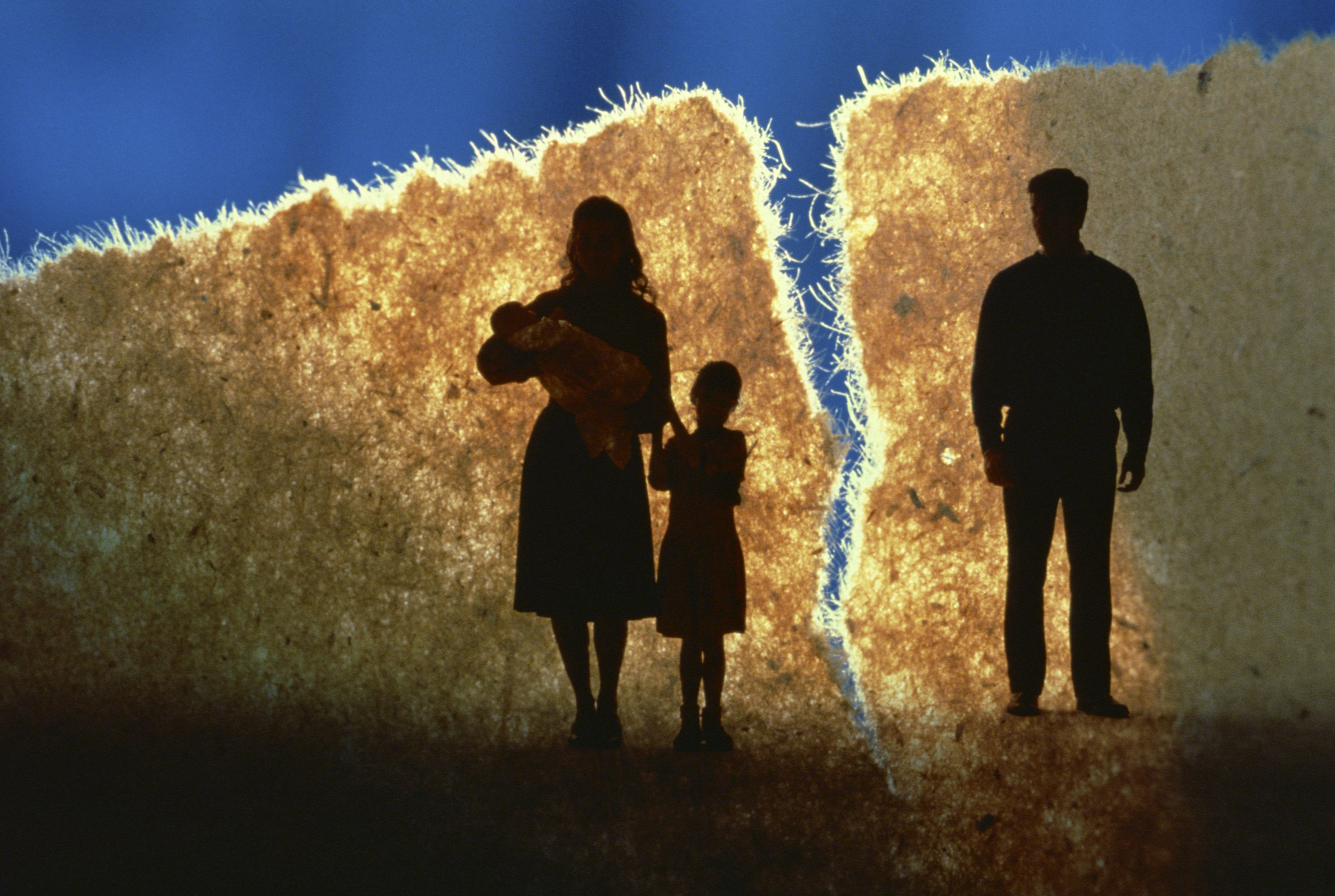 a broken family The increase in children of broken homes came during the years when the labour government maintained that all family types are equally good for children and the benefit system was re-shaped to.